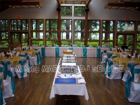 Dawn_and_Rob_may_21st_whonnock_lake_centre_room_decor
