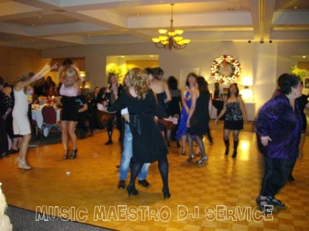 Meadow Gardens Golf Club Costco Party Dance