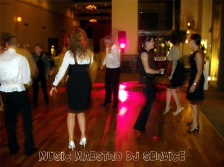 Swan-e-set Wedding Dancing